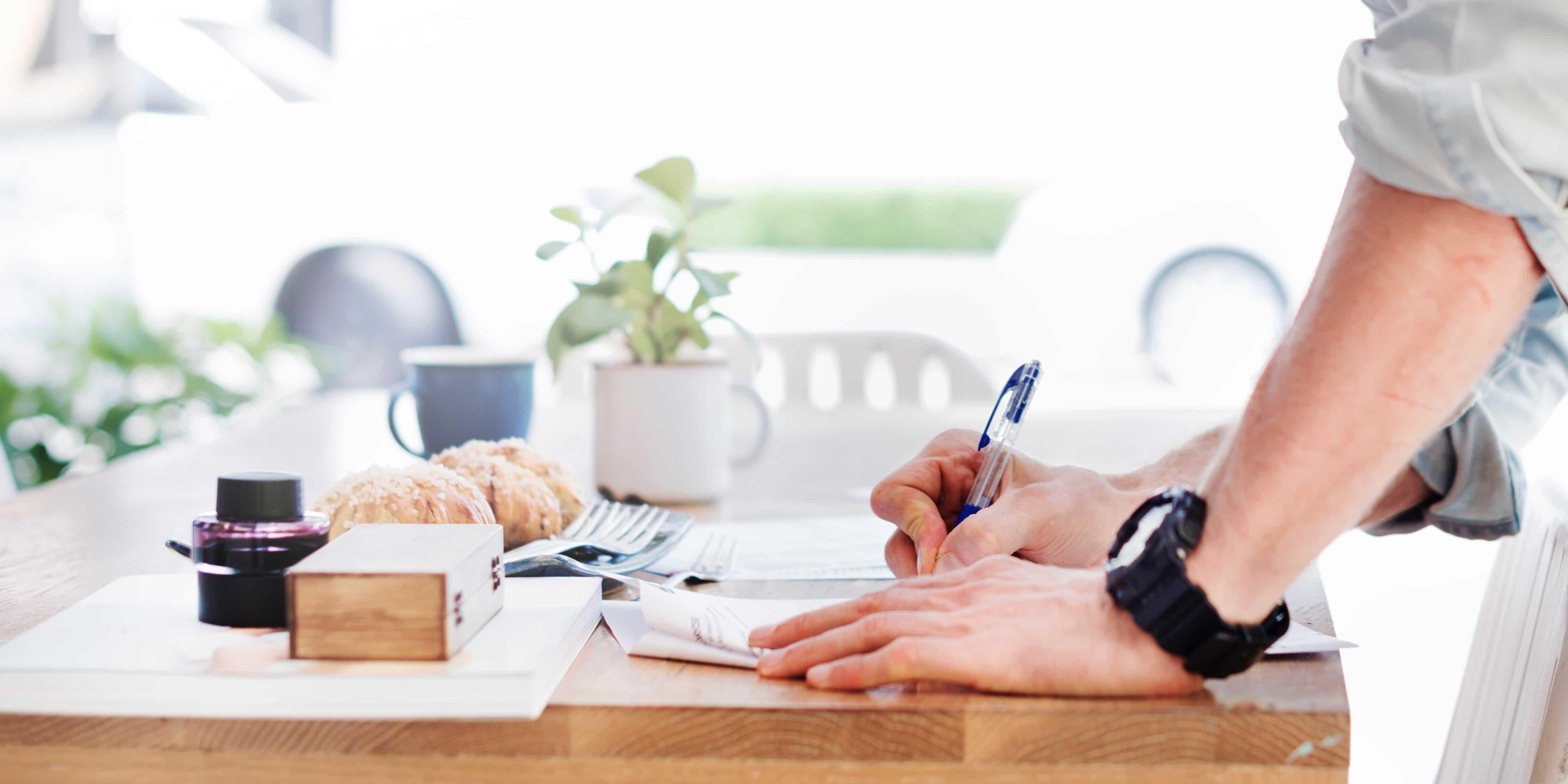 Come l'albergatore deve trattare i dati personali dei clienti