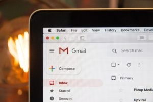How to communicate with guests: pre-stay and post-stay emails